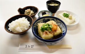 """Agedashi teishoku"" Deep fried set (only 15 served per day) (Deep fried tofu with soup stock, rice, chilled tofu, miso soup,  small dish, Japanese pickles) 970yen (tax included)"